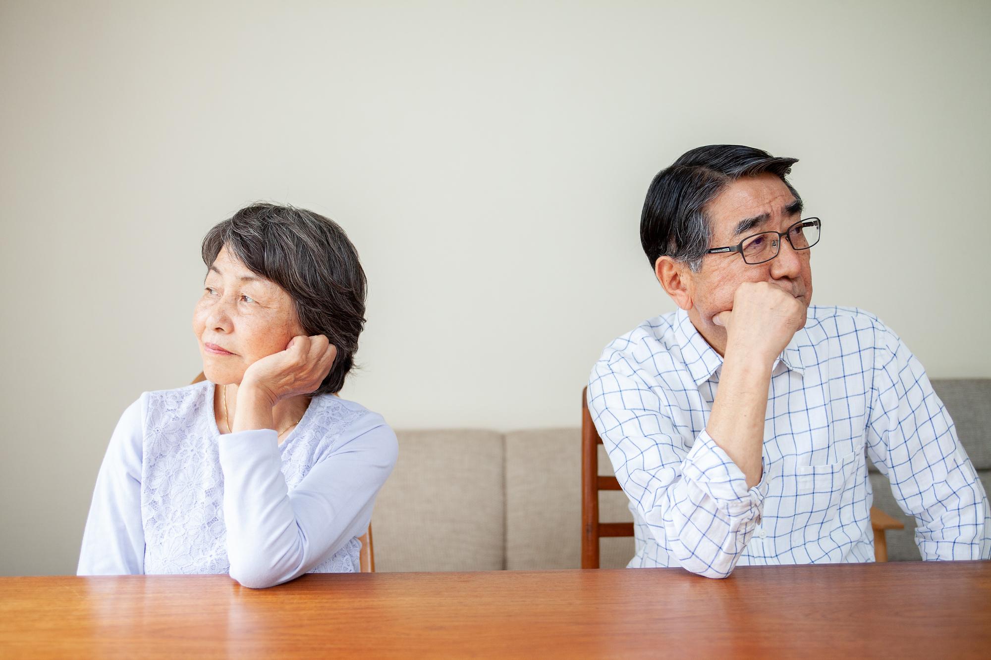 仮面夫婦の熟年離婚と多額な慰謝料の真実   離婚と住宅ローンガイド